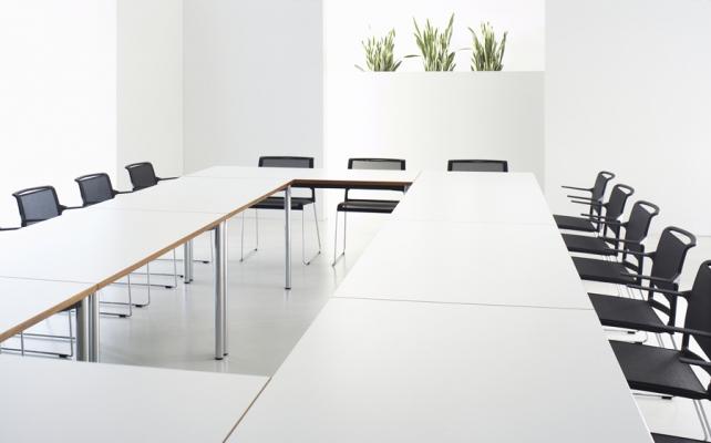 Konferenzanlage_Bild_Arbeitstisch Reihe Z
