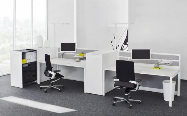 Schreibtisch_Bild10_Arbeitstisch Reihe U4