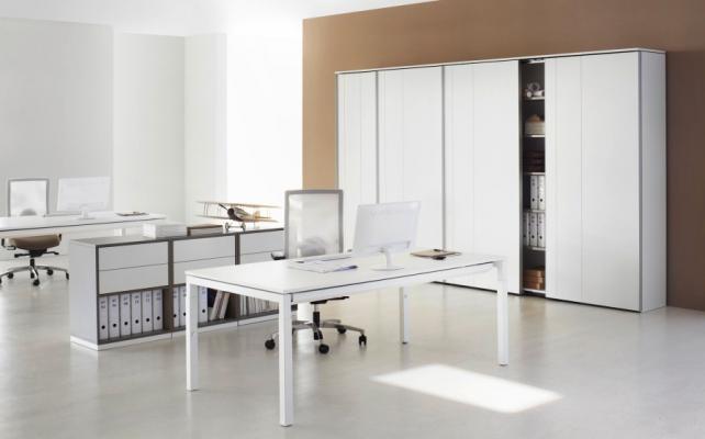 Schreibtisch_Bild9_Arbeitstisch ReiheU4